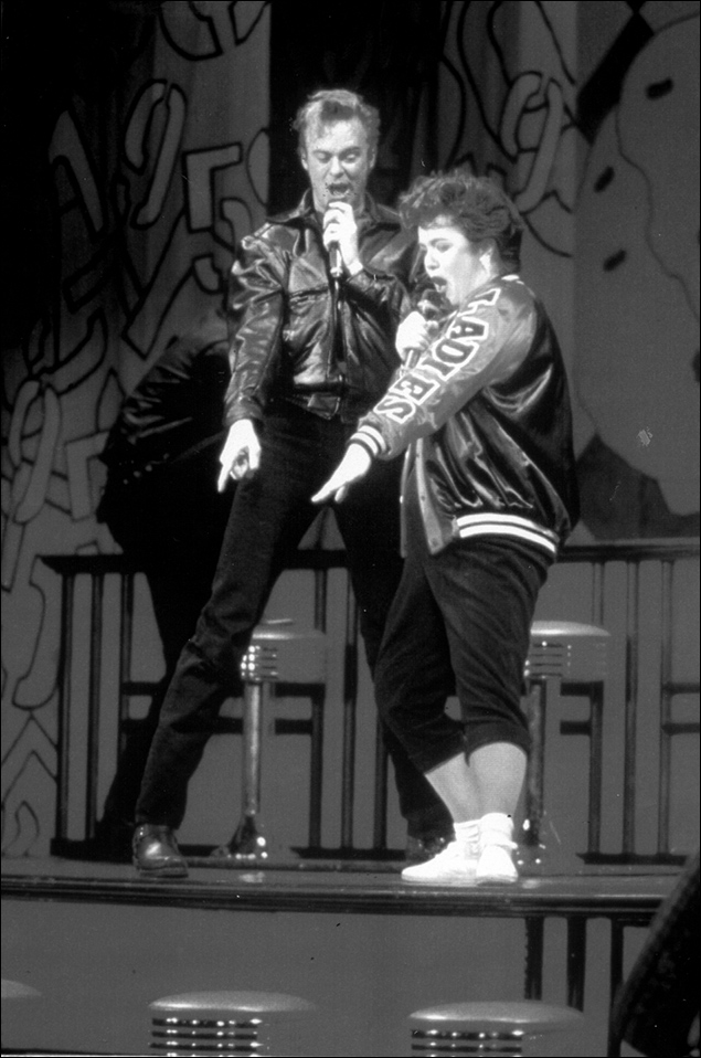 Jason Opsahl and Rosie O'Donnell in the 1994 revival of Grease