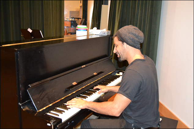 Well look who it is! Ian has even more time on his hands then I do! I ran into him in the other rehearsal hall playing around on the piano.