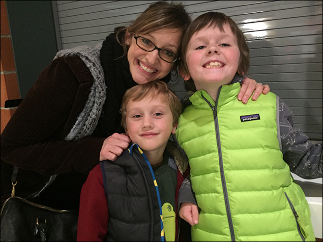 Yay - our brilliant director Jessica Stone was here!!  She even brought Emmett and Charlie - aka the mini Fitzes...  (their dad is their favorite in the show, natch)