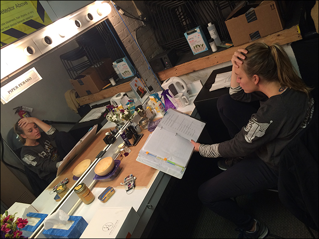 Piper Perabo is a goddess. Here she is working. She does that a lot.