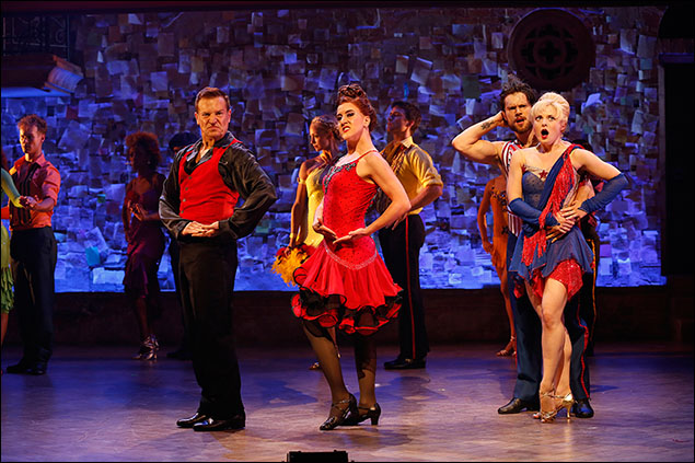 Stephen Bienskie, Jenn Harris, Henry Byalikov, and Hayley Podschun and company