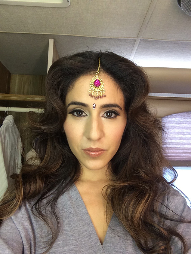 """Bollywood selfies in my trailer! """"Shooting 'I'm So Good At Yoga' was not fun at all,"""" said no one ever."""