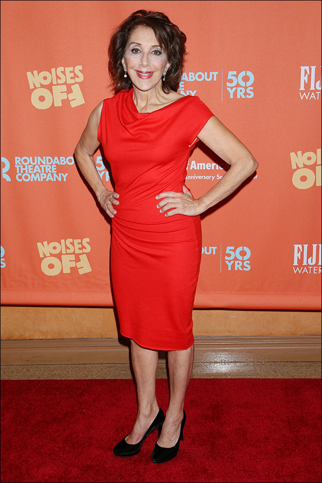 Andrea Martin made everyone feel hot under the collar in that burnt-orange-red dress! Slinky and sophisticated over her whippet-sleek figure, she knows exactly the right colors and cut! The funniest gal in the room can also be the Fabulous Gal too! Love! Love! Love!