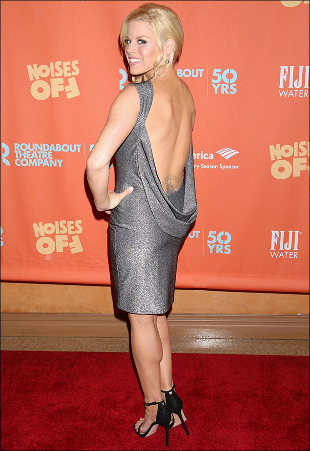Megan Hilty! What can I say? Va-Va-Va-VOOM! Shimmering in silver from Randi Rahm, she was sexy as all-get-out from the front, but when she turned around, WOW! Miles of bare back and a discreet (well, almost discreet!) peek at that ink! Megan gave everyone else the goosebumps last night! And I swear the men were breaking into a cold-sweat as she passed by! Where's my handkerchief?