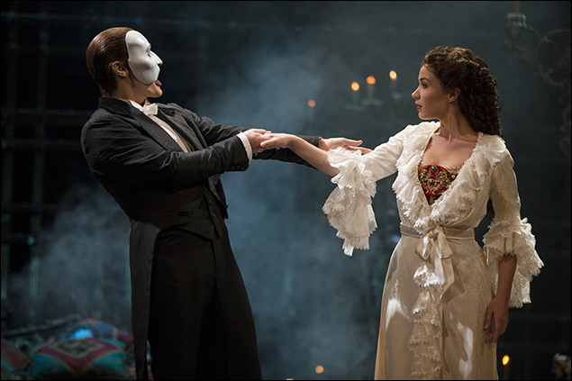 Hugh Panaro and Sierra Boggess in the Broadway musical The Phantom of the Opera, 1988