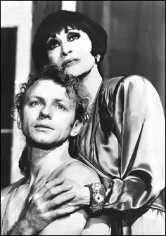 Brent Carver and Chita Rivera in the Broadway musical Kiss of the Spider Woman, 1993