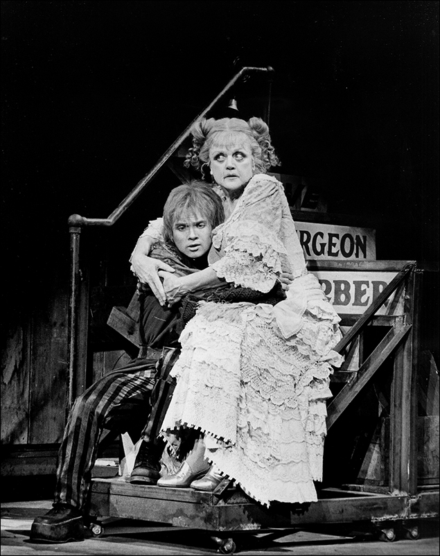 Ken Jennings and Angela Lansbury in the Broadway musical Sweeney Todd, 1979