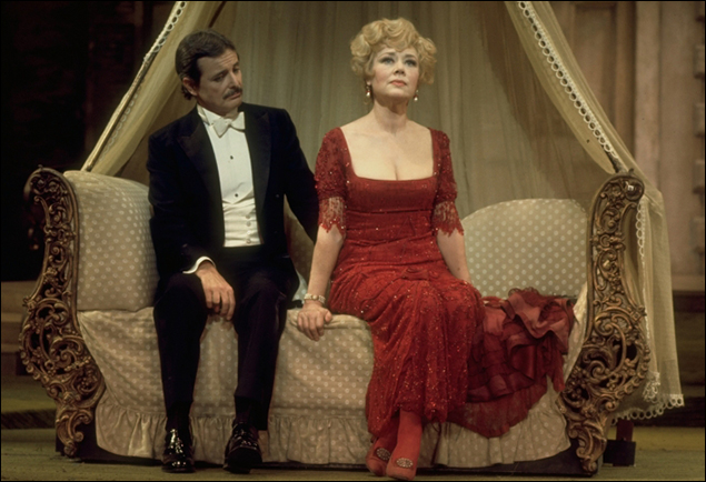 Glynis Johns & William Daniels in the Broadway musical A Little Night Music, 1973