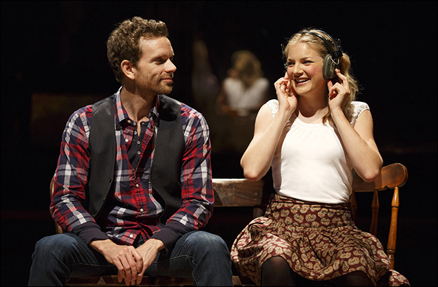 Paul Alexander Nolan and Joanna Christie in Once