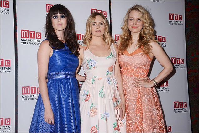 Heather Lind, Alicia Silverstone and Jennifer Mudge