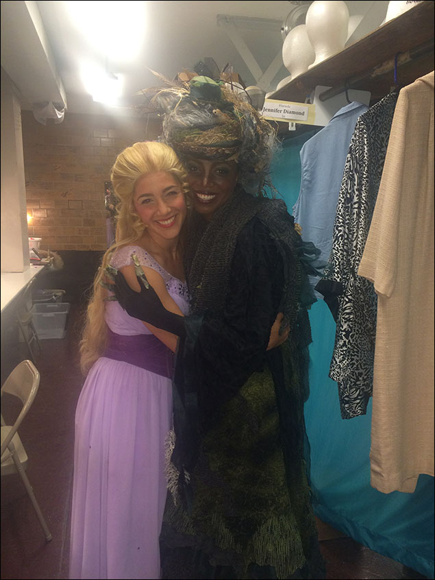 Samantha Massell and Heather Headley backstage.  They look so happy together, don't they?!