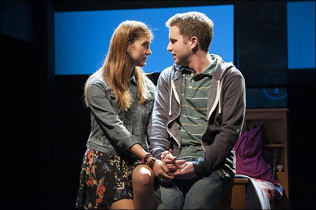 Laura Dreyfuss as Zoe and Ben Platt as Evan