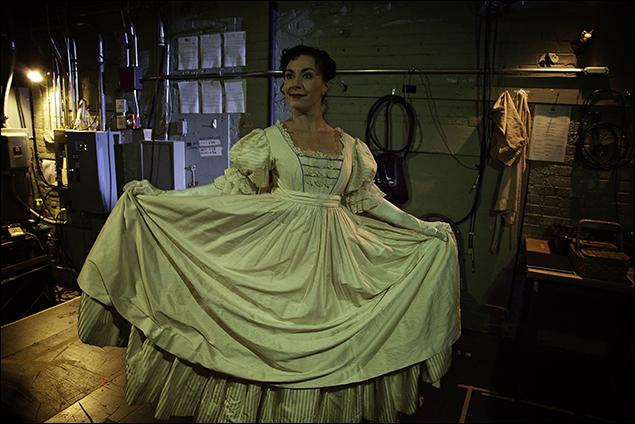 Wendi Bergamini (May Milton)