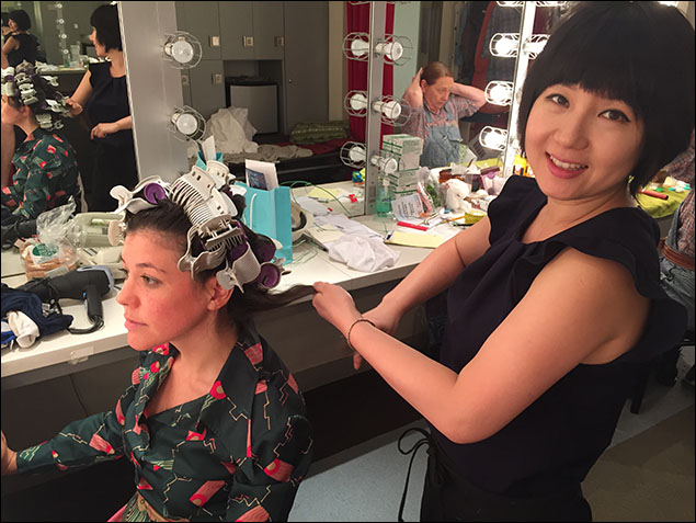 I always go visit the ladies dressing room before the show, here's Suseon Bak doing Zoe Winters' hair.  That's Dale Soules in the BG doing her OWN hair...