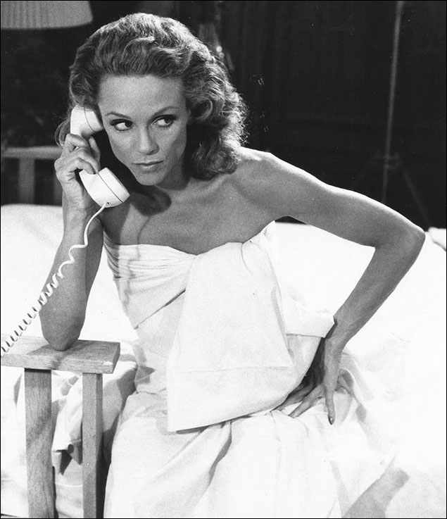 Valerie Harper in the film version of the Neil Simon play Chapter Two.