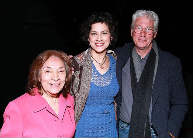 Míriam Colón, Saundra Santiago and Richard Gere
