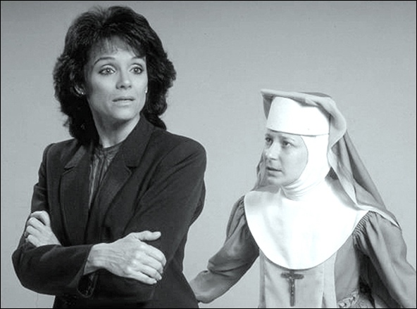 Valerie Harper and Lily Knight  in a publicity still for the National Tour of Agnes Of God.