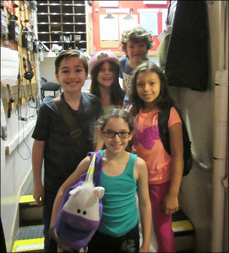 1:20pm - The children of Les Miz (Joshua Colley, Mia Sinclaire Jenness, Mckayla Twiggs, Gaten Matarazzo, and Angeli Negron) arrive!
