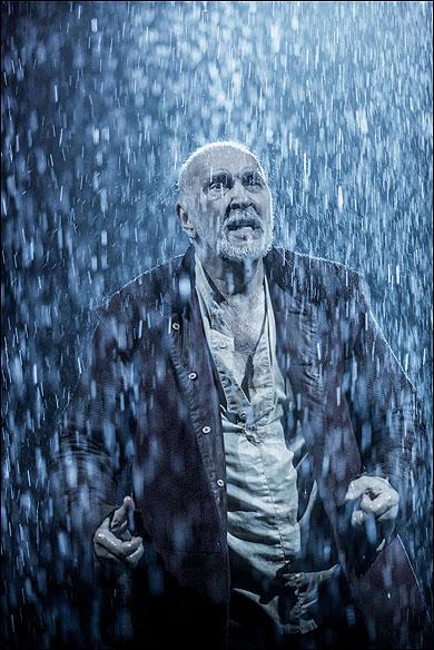 Frank Langella as King Lear at Brooklyn Academy of Music.
