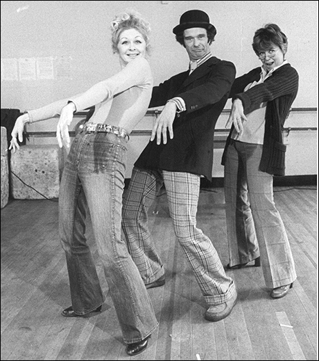 Barbara Erwin, Robert Fitch and Dorothy Loudon in rehearsal