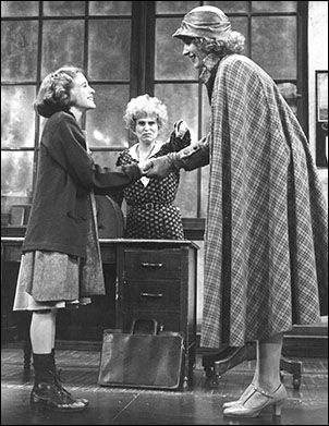 Sarah Jessica Parker, Alice Ghostley and Lynn Kearney in the original Broadway production