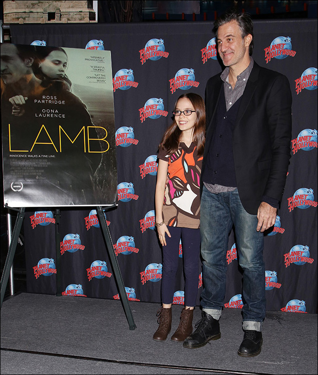 Oona Laurence and Ross Partridge