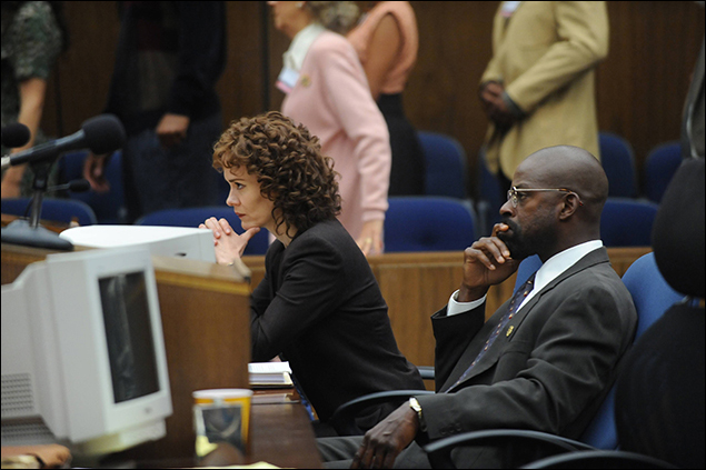 """""""From the Ashes of Tragedy"""" Episode 101: Sarah Paulson as Marcia Clark, Sterling K. Brown as Christopher Darden"""