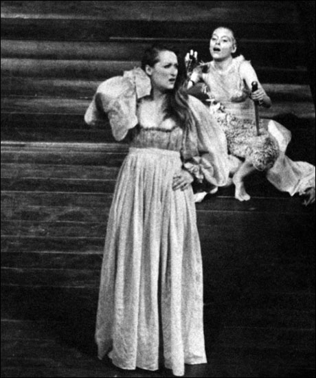 Streep in A Midsummer Night's Dream at Yale Repertory Theatre