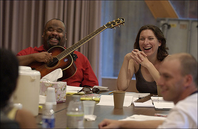 Stew in a work session of Passing Strange with director Annie Dorsen at the 2005 Theatre Lab. © 2005