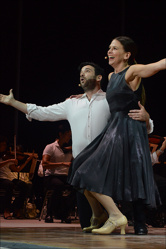 Colin Donnell and Sutton Foster