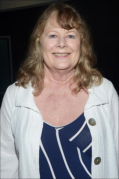 Shirley Knight