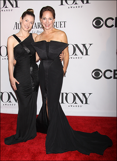 Zoe Perry and Laurie Metcalf