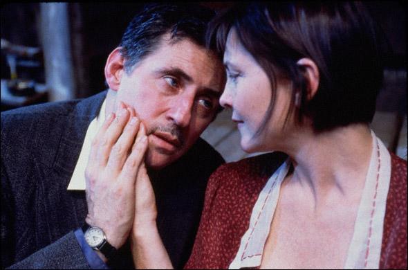 Gabriel Byrne and Cherry Jones