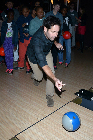 Paul Rudd & Students