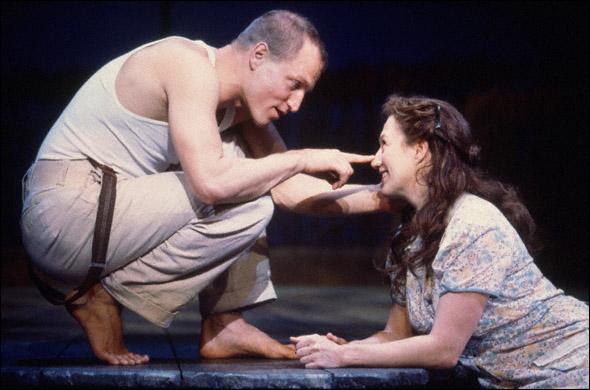 Woody Harrelson and Jayne Atkinson