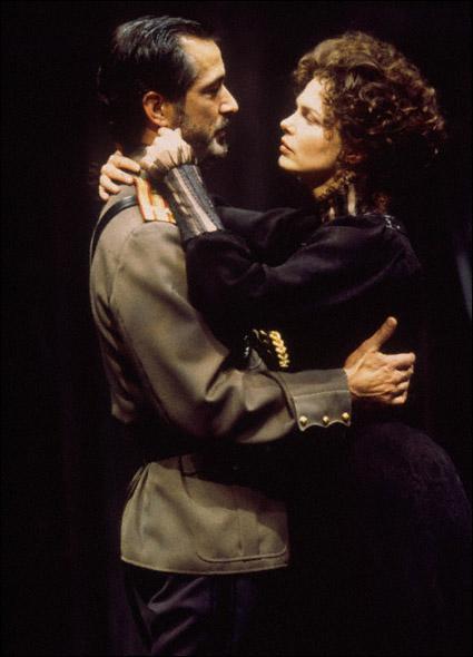 David Strathairn and Jeanne Tripplehorn