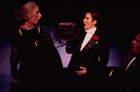 Cynthia Sophiea and Raquel Welch