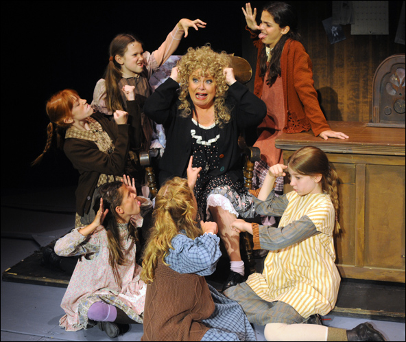 Sally Struthers and orphans