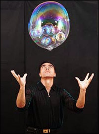 Fan Yan in <i>Gazillion Bubble Show</i>