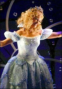 Kristin Chenoweth To Leave Wicked In July Playbill Com
