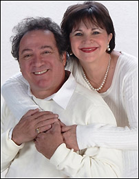 Eddie Mekka and Cindy Williams