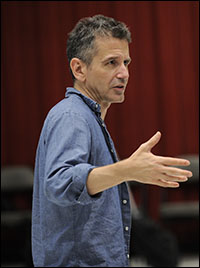 David Cromer in rehearsal