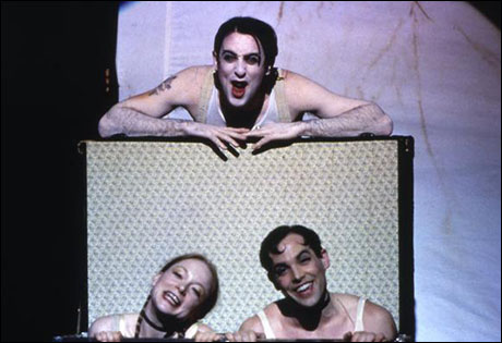 Alan Cumming with Erin Hill and Michael O'Donnell in the 1998 Broadway revival