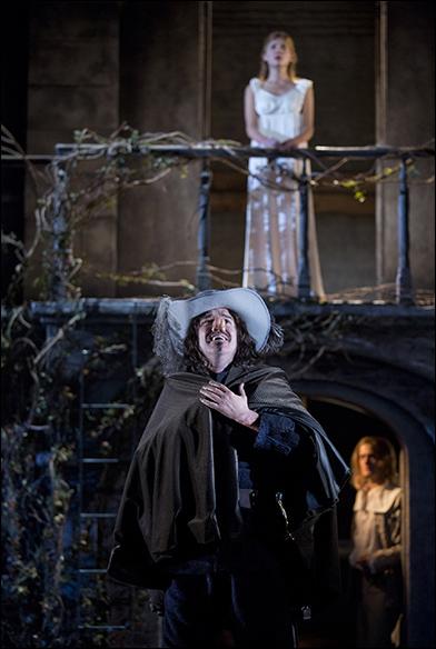 Cyrano de Bergerac, Designed by Soutra Gilmour
