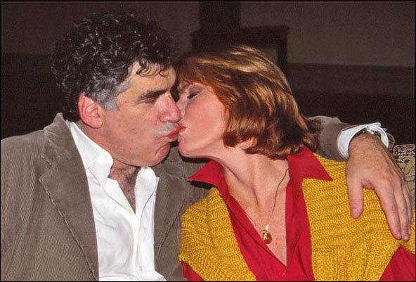 Elliott Gould and Mariette Hartley in rehearsal for Deathtrap