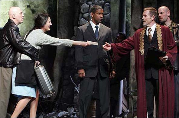 Dan Moran, Jacqueline Antaramian, Denzel Washington, William Sadler and Mark Mineart in Julius Caesar.