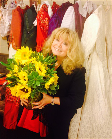 """""""In my next life I want to be a sunflower. Then I'll grow tall.""""- Sally Struthers. I adore this woman! Toledo presenters gave Sally this gorgeous bouquet of her favorite flowers."""