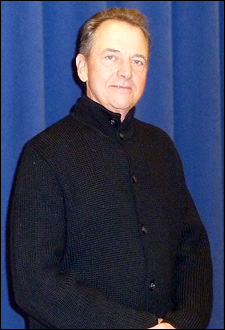 Gregory Itzin