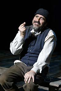 Alfred Molina in <i>Fiddler on the Roof</i>