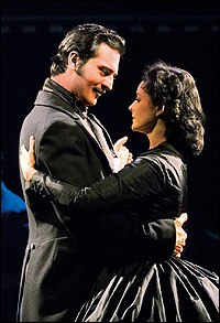 Darius Danesh and Jill Paice in <I>Gone with the Wind.</I>